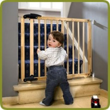 Safety gate Nina 69.5-104cm, wood - Safety Gates and Playpens